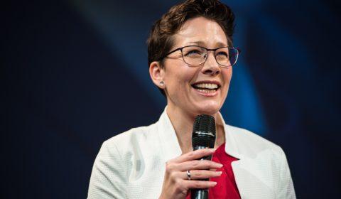 Linda Graanoogst - TEDxAlmere 2017 - Hoofd boven het maaiveld